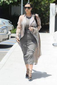 hbz-kim-kardashian-maternity-0714