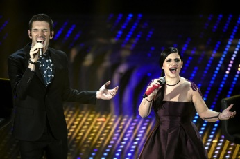 Italian singers Giovanni Caccamo and Deborah Iurato perform on stage during the Sanremo Italian Song Festival, at the Ariston theater in Sanremo, Italy, 09 February 2016. The 66th Festival della Canzone Italiana runs from 09 to 13 February. ANSA/CLAUDIO ONORATI